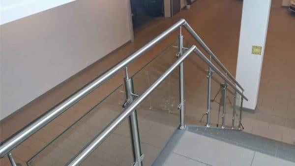 glassrekkverk til trapp